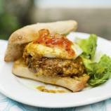 Spicy mushroom and halloumi burgers