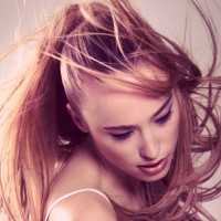 How To Rain-Proof Your Hair