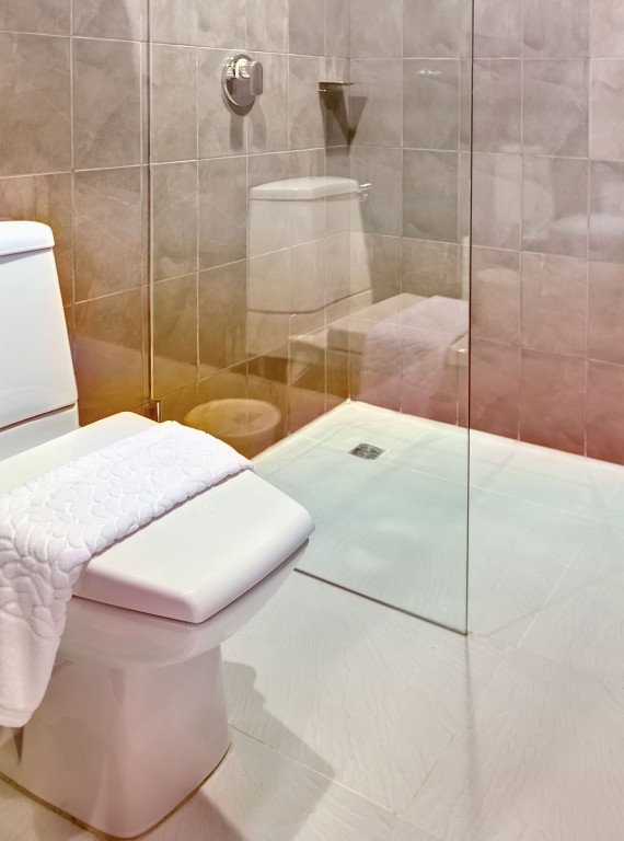 deal with limescale in the loo how to make cleaning. Black Bedroom Furniture Sets. Home Design Ideas