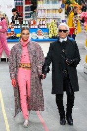 Supermarket Sweep Hits The Chanel Show In Paris!