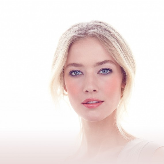 Photo of a Clarins beauty campaign