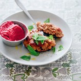 Lamb burgers with beetroot hummus