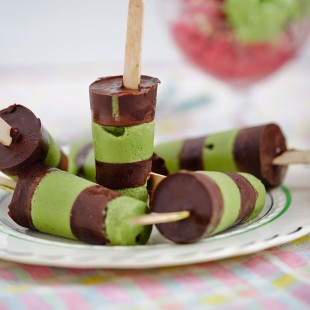 Pea and Mint Ice Cream or Lollies with Chocolate