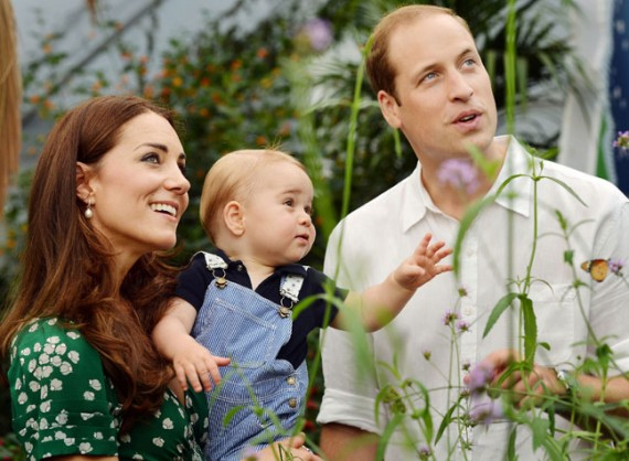 Prince William, Catherine and Prince George photo