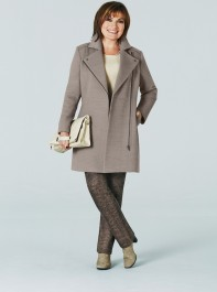 First Look: Lorraine Kelly For JD Williams