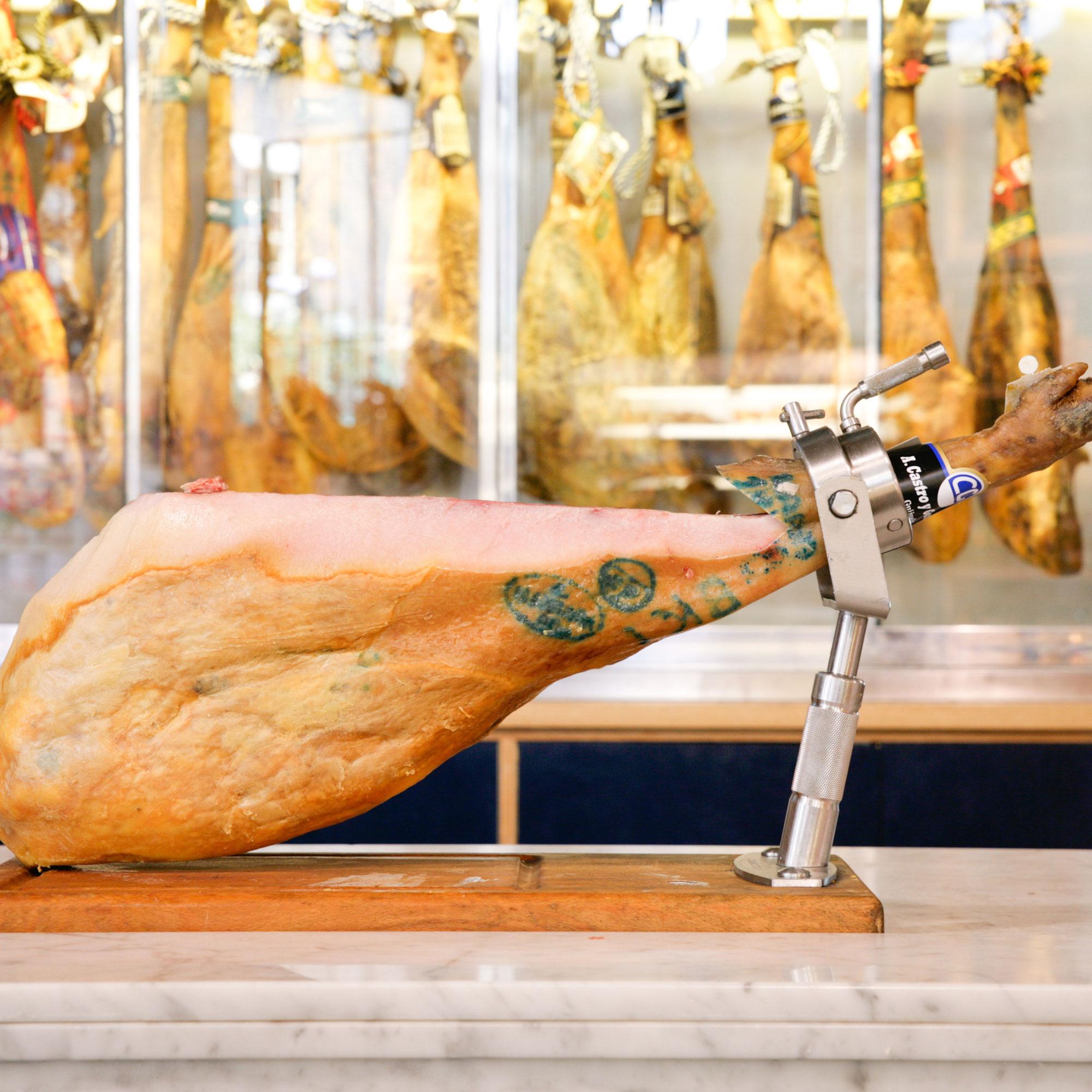 how to cut iberico ham