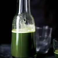Pineapple and Kale Digestive Juice