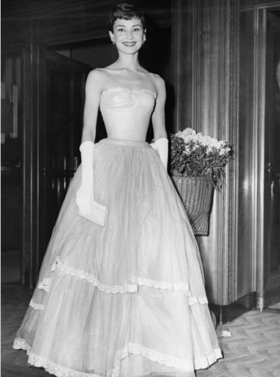 AudreyHepburn BAFTA 1955 photo