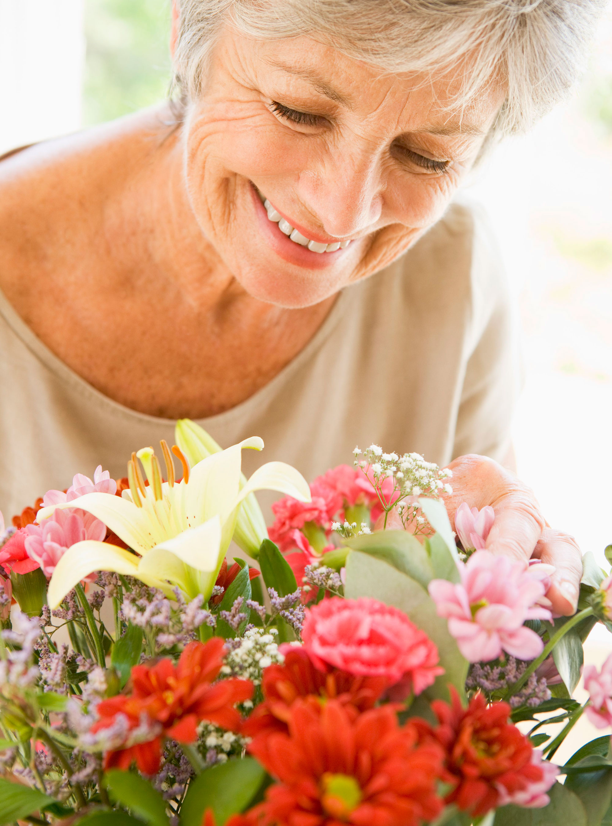 Random Acts Kindness To Brighten Someone s Day Woman And Home
