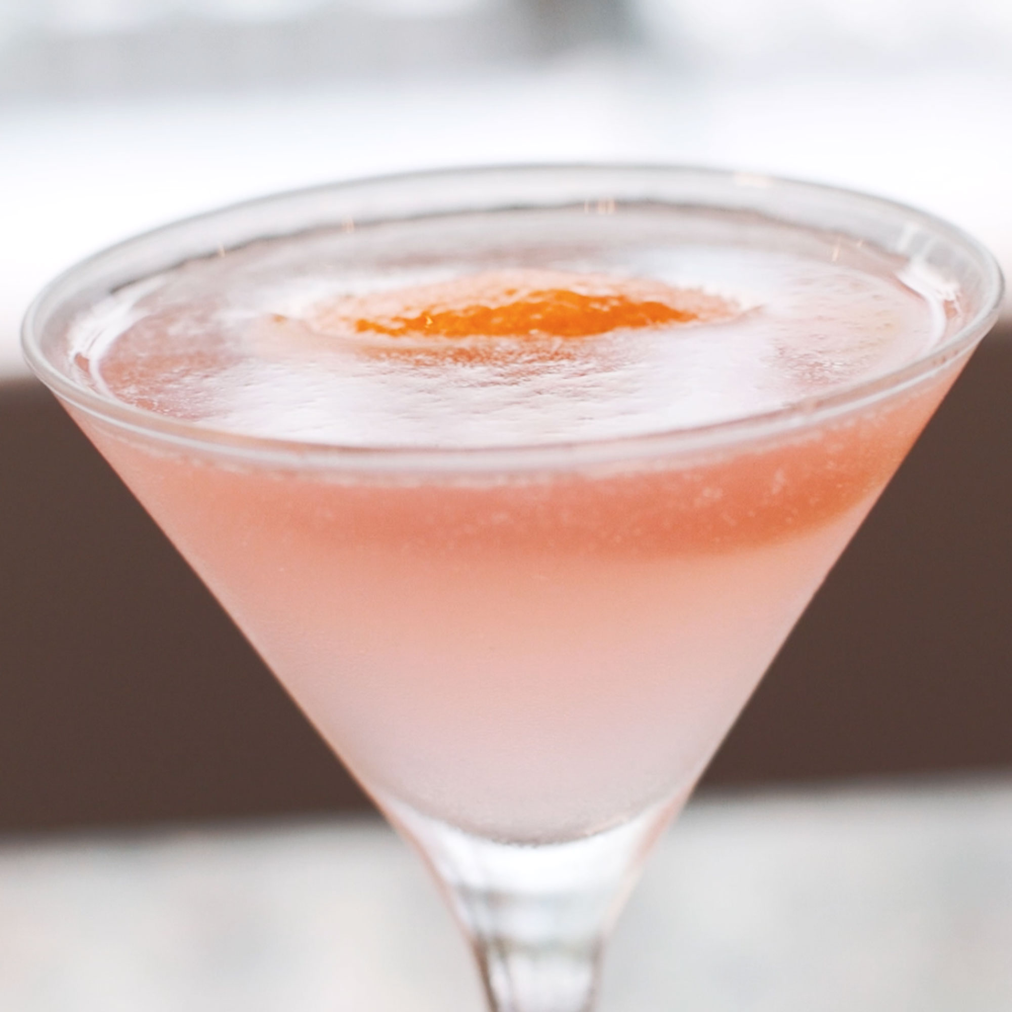 Cosmopolitan cocktail woman and home for Cosmopolitan cocktail