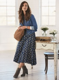 Midi Skirts: The Ultimate Slimming Wardrobe Staple