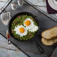 Jos� Pizarro's Baked Eggs With Jamon, Peas And Tomatoes