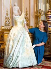 Celebrate The Queen�s 90th Birthday With A Visit To 'Fashioning A Reign'