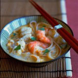 Thai-Style Soup with Prawns, Noodles and Lemongrass
