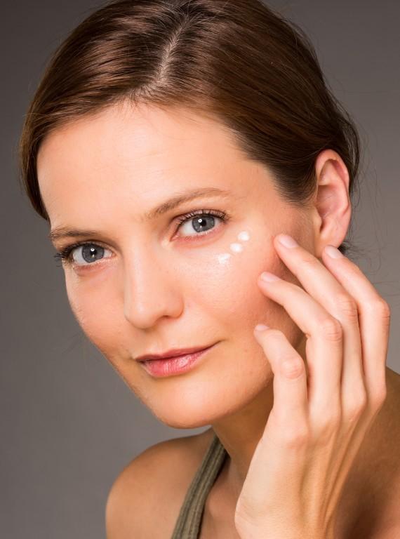 How To Banish Dark Circles Without Using Makeup