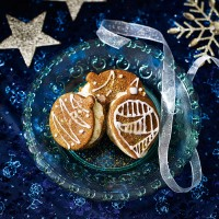 Christmas Bauble Ice Cream Sandwiches