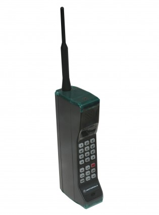 12 Things You'll Only Know If You Had A Mobile Phone In The '90s - Woman And Home