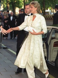 Diana: Her Fashion Story, Reliving Princess Diana's Best Looks