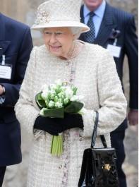The Secret Signals The Queen Sends Her Staff