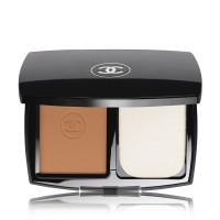 The 10 Best Powder Foundations: The W&H Edit