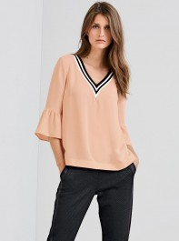 Tops With Sleeves For Every Occasion