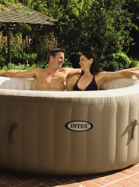 The Aldi Hot Tub That Keeps Selling Out