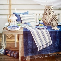 Give your al fresco dining a coastal-inspired twist