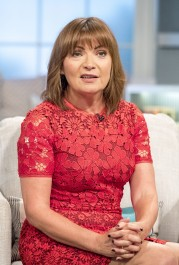 Lorraine Kelly Speaks Out About Tramadol Addiction And Its 'Seductive' Qualities