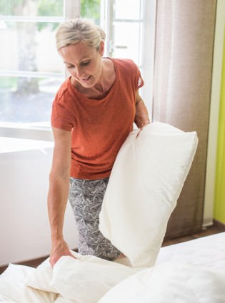 THIS Is How ten You Should Change Your Bedsheets Woman