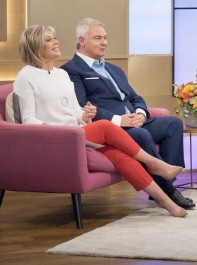 Ruth Langsford's £25 On-Trend Trousers Are From An Unexpected High Street Store...