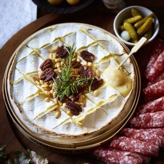Fruity Melted Camembert